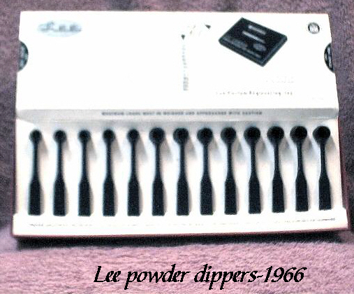 Lee powder dippers